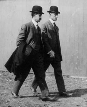 Wright_Brothers_in_1910